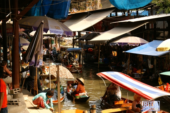 The Damnoen Saduak Floating Market