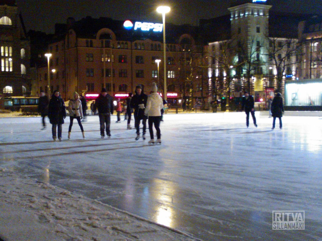 evening skates in Helsinki