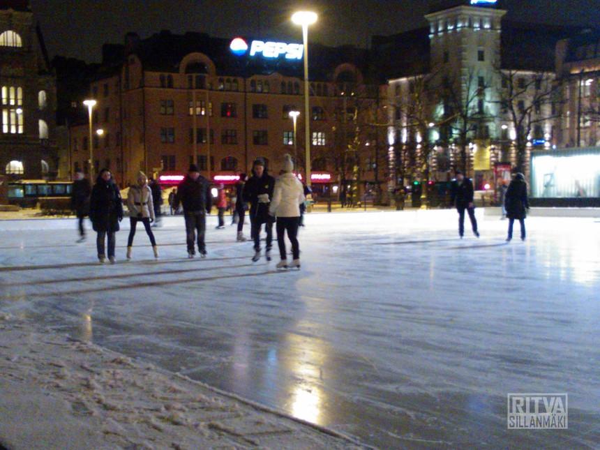 evening skates in Helsinki