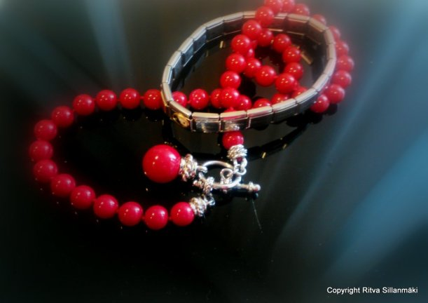 red jewelwry