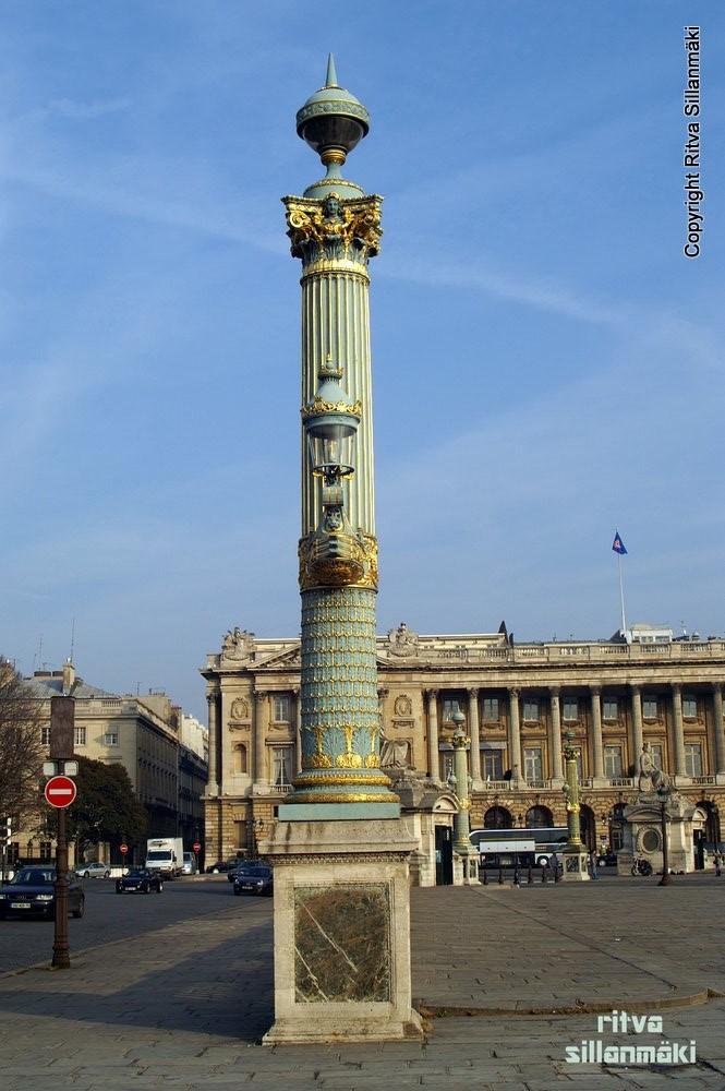 Statue-Paris