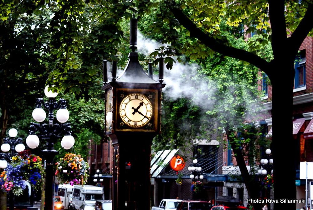 steam-powered clock color