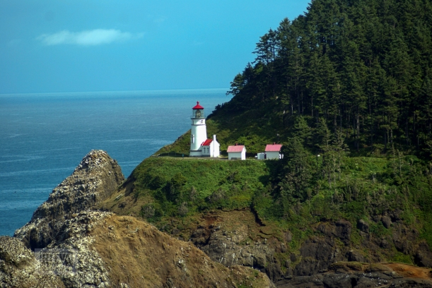 Oregon coastline - one lighthouse and an other-20