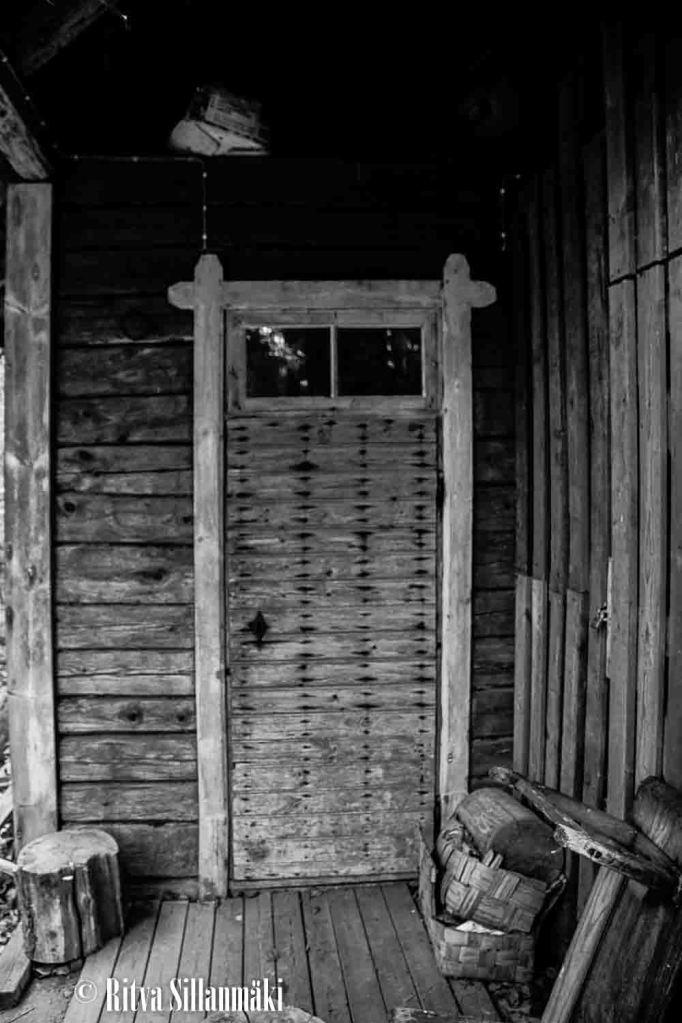 old log buildings-11