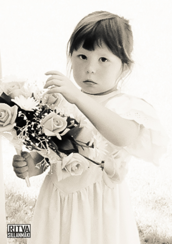 flower girl (2 of 4)