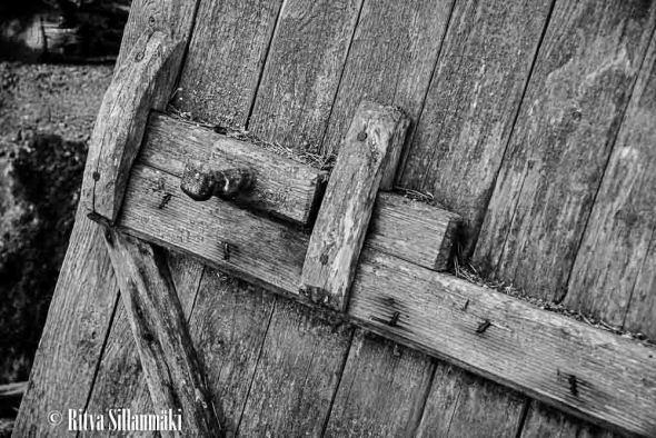 old log buildings-3