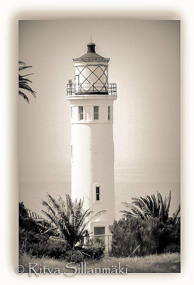 Ritva Sillanmäki - CA light house (1 of 2)