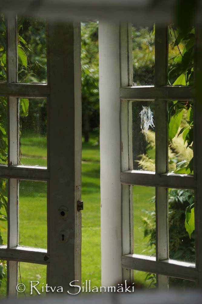 Pavilion windows