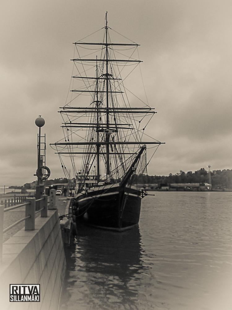 ship-1
