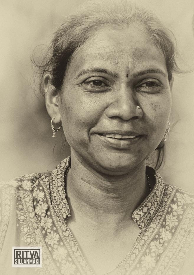 Indian woman-3.jpg