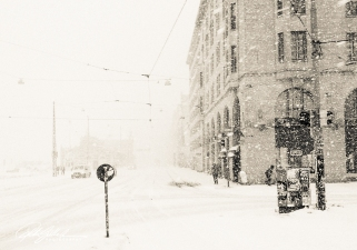 snowing-in-sepia