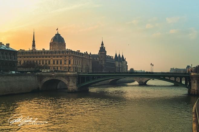 Bridge in  Paris (3 of 3).jpg
