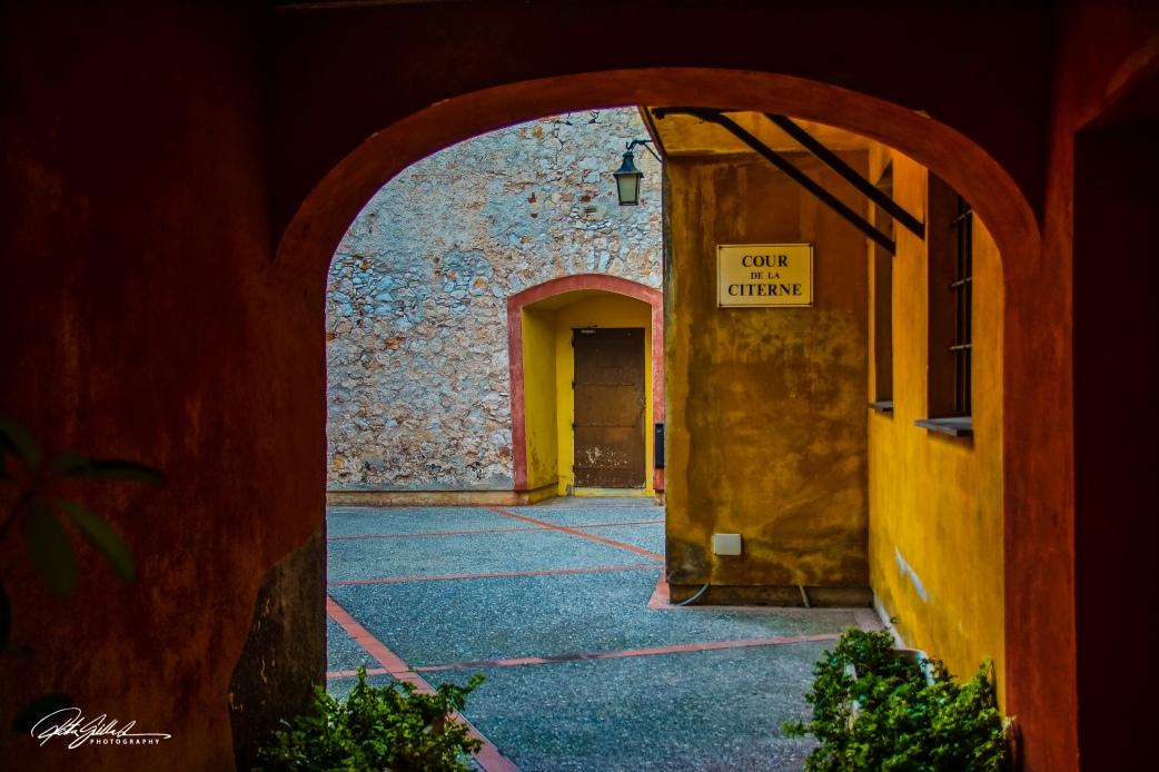 Villafranche sur mer tunnel (4 of 6)